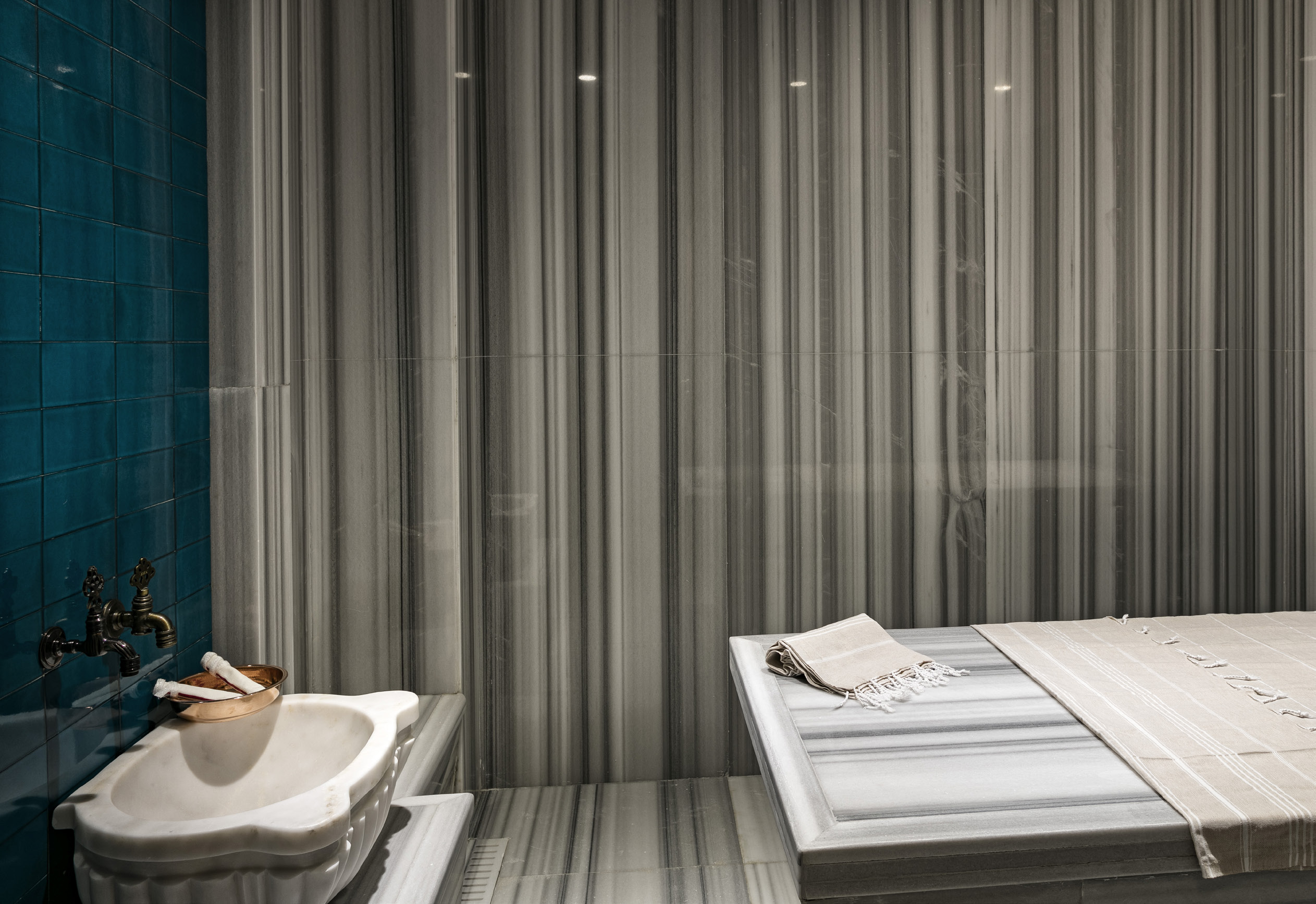arketipo design enriches the interiors of hotels with marble | natura