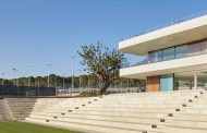 NATURAL STONE TENNIS CLUB IN MALLORCA GRAS ARQUITECTOS